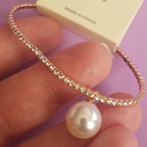 Gold tone Stretch Rhinestone/Pearl Bracelet